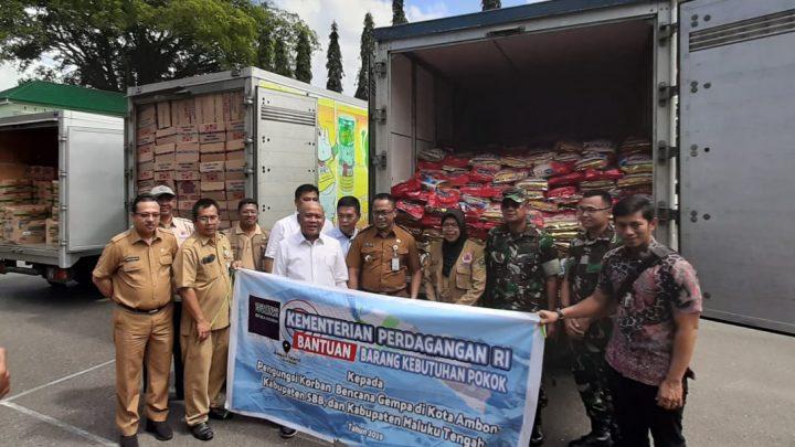 Kemendag Serahkan Bantuan kepada Pengungsi Korban Gempa Maluku