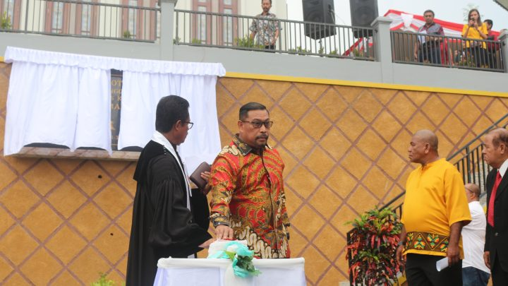 Resmi Gereja Imanuel, Gubernur : Rumah Ibadah Simbol Kehadiran Tuhan