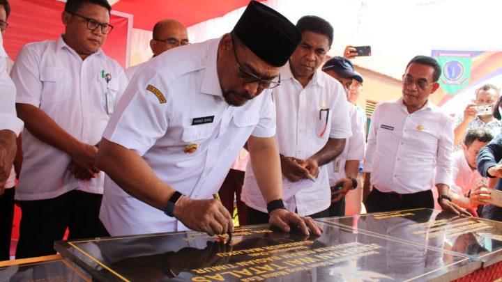 Gubernur Resmikan Sejumlah Proyek di SBT