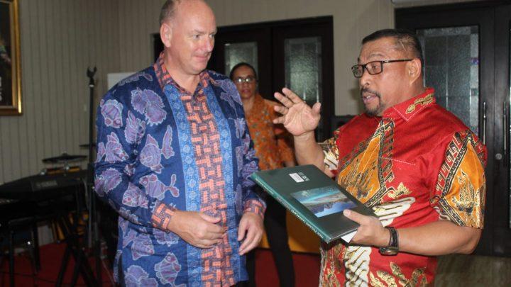 Bertemu Gubernur, Dubes Selandia Baru Siap Suport Energi Terbarukan bagi Maluku