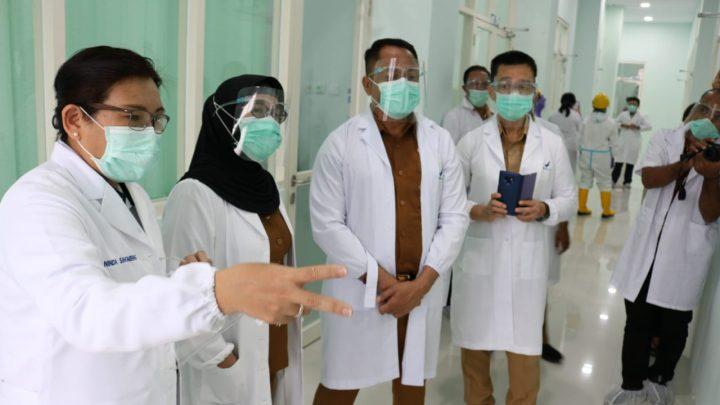 Gugus Tugas Maluku Tinjau Kesiapan Laboratorium Uji Mandiri Covid 19