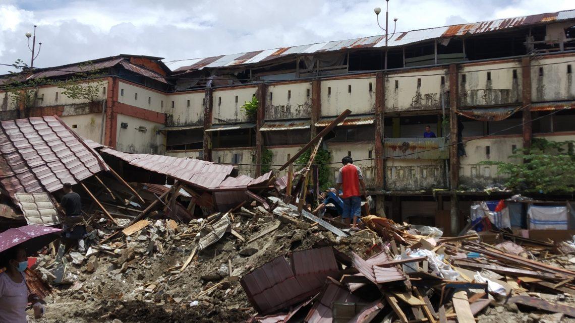 200 lebih Kios Pasar Mardika Mulai Dibongkar Pemerintah