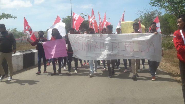 Aksi Damai Mahasiswa GMNI di MBD