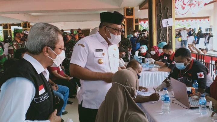 Gubernur Tinjau Pelaksanaan Vaksinasi Covid-19 Menuju 1 Juta Orang