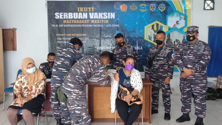 TNI AL Lanjutkan Program Serbuan Vaksinasi di PPI Ukularan- Saumlaki